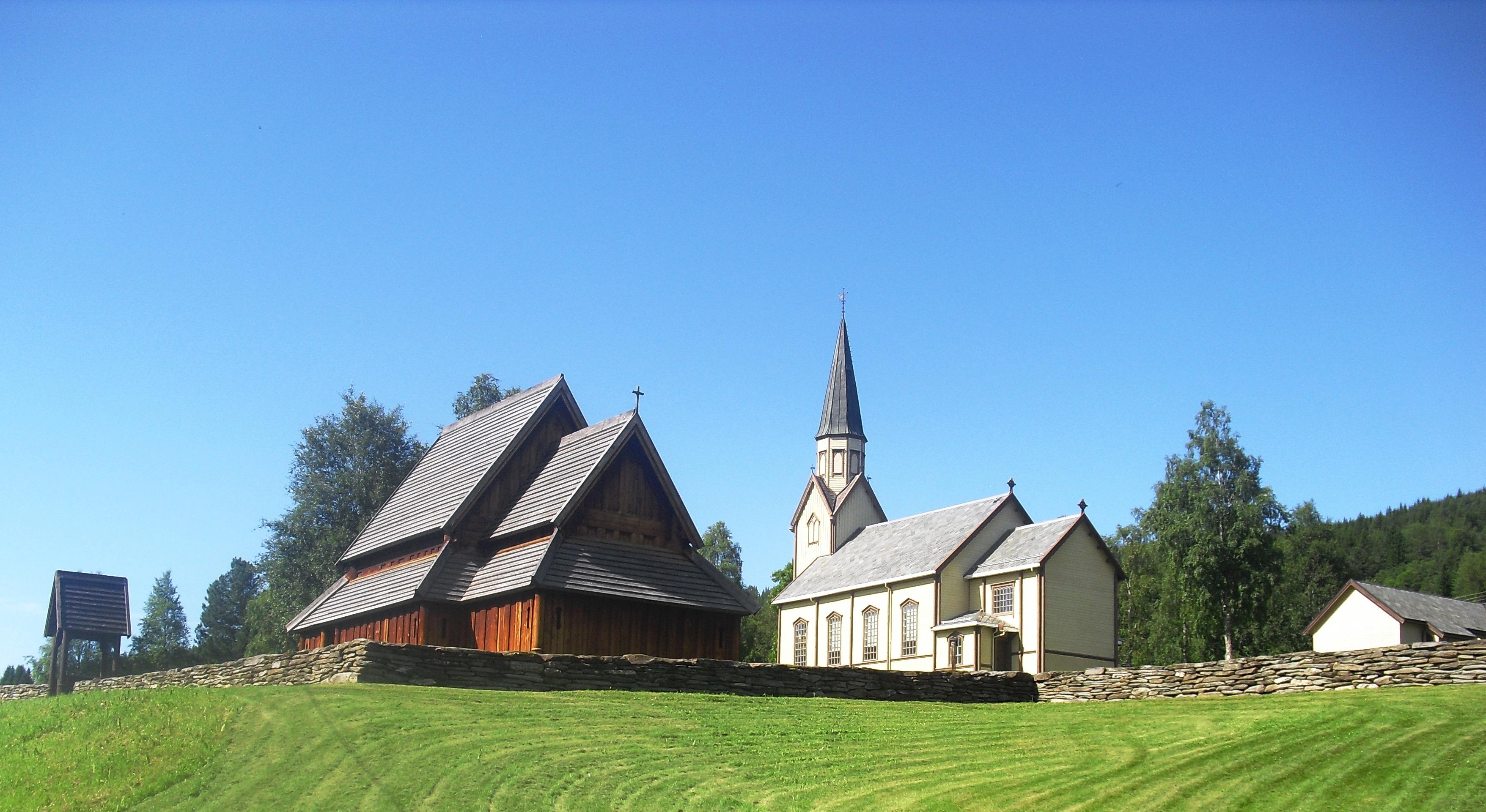 Haltdalen kirke og Haltdalen stavkirke