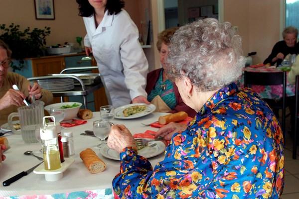 Pårørende kan levere mat til sykehjem