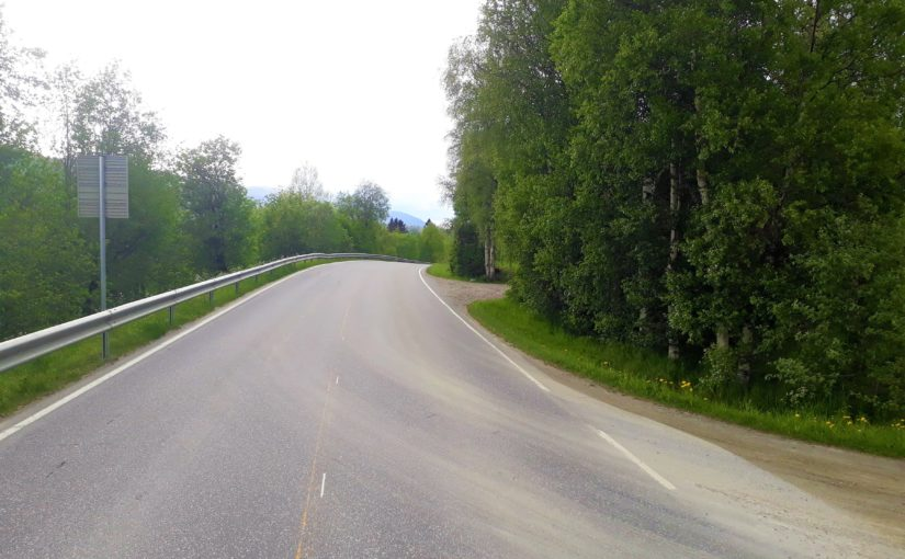Trafikksikkerhetsutvalget oppfordrer grunneiere ved avkjørsler og vegkryss til siktrydding