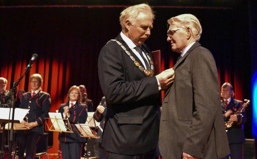 Kongens fortjenstmedalje tildelt Knut Hage