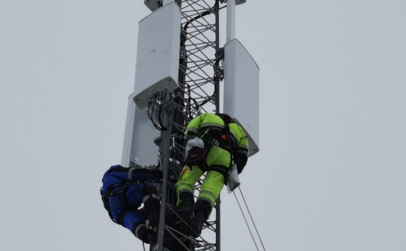Telia bygger dekning: ny basestasjon gir 4G- og 5G-dekning i Hessdalsfjella